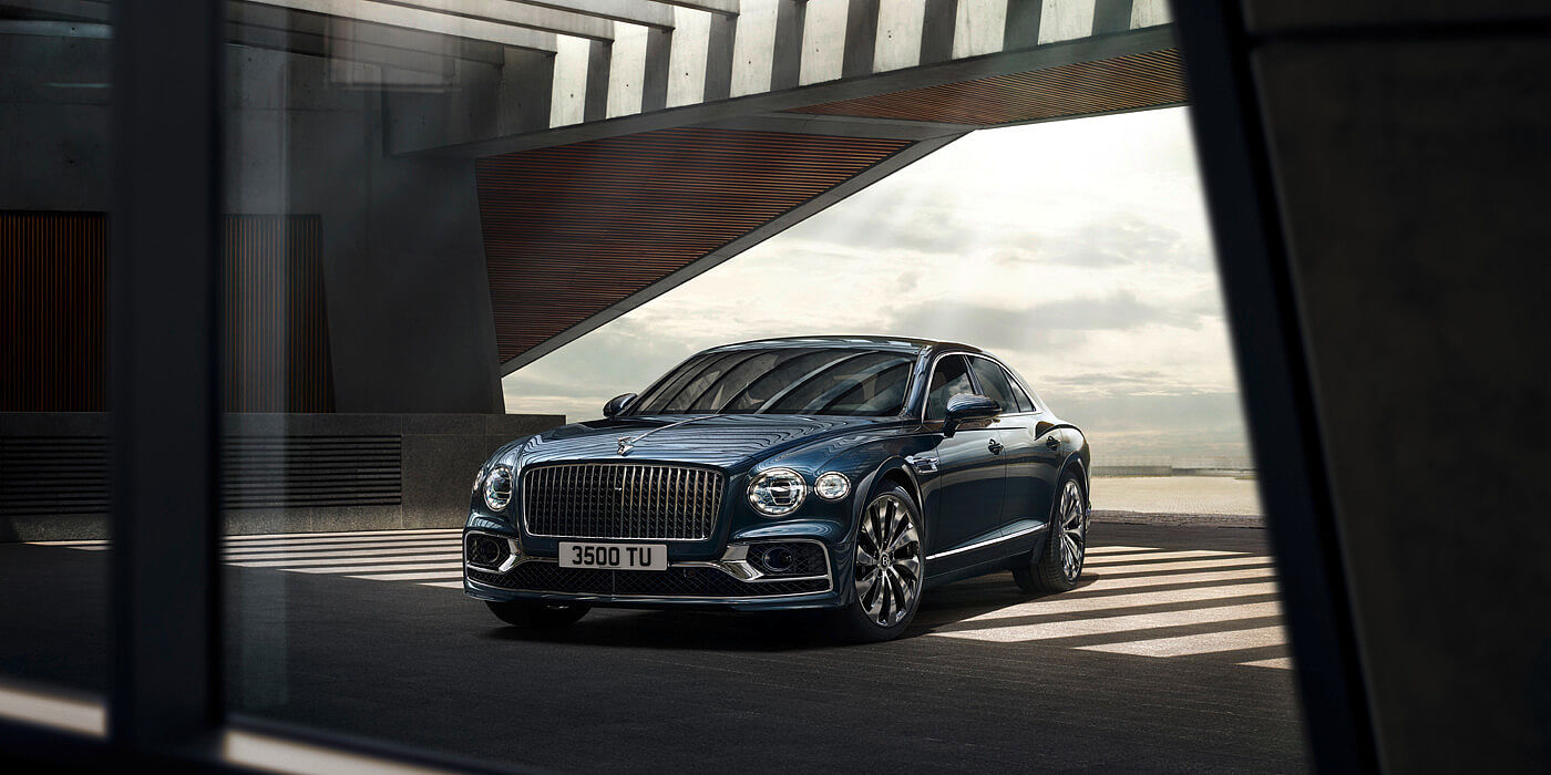 bentley-new-flying-spur-profile-with-meteor-paint-through-window